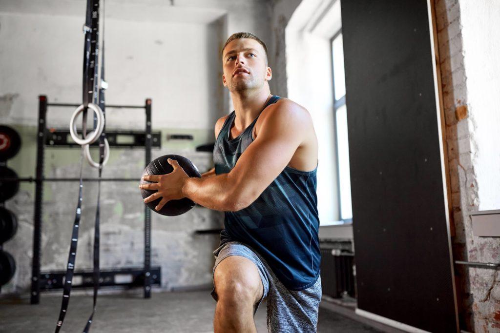 Core-Training mit dem Medizinball